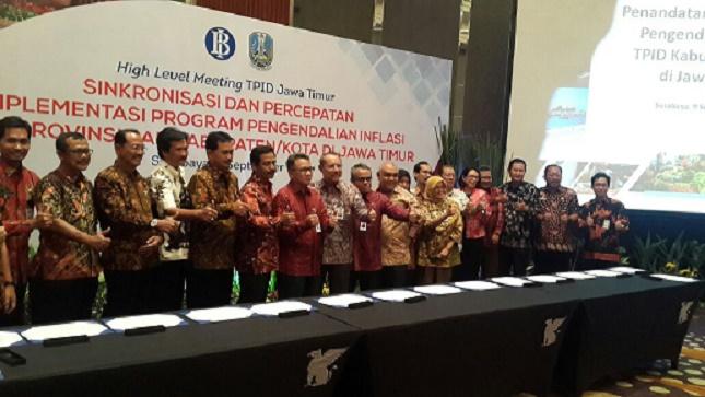 Penandatanganan Roadmap Tim Pengendalian Inflasi Daerah<BR>se - Provinsi Jawa Timur